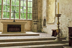 Vecchio altare della chiesa in un'abbazia storica Fotografia Stock Libera da Diritti