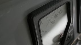 Vecchio amperometro analogico fotografia stock