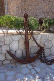 Vecchio ancoraggio arrugginito Fotografia Stock