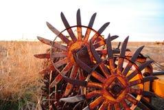 Vecchio aratro dell'azienda agricola Immagini Stock Libere da Diritti