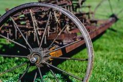 Vecchio aratro di agricoltura del ferro Fotografia Stock