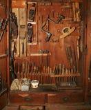 Vecchio armadietto di strumenti Immagini Stock