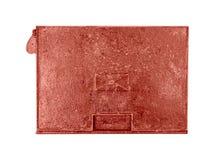 Vecchio arrugginito della cassetta delle lettere isolato su fondo bianco Fotografie Stock Libere da Diritti