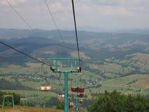 Vecchio ascensore della teleferica nelle montagne carpatiche Fotografia Stock Libera da Diritti