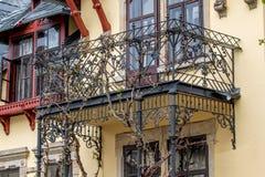 Vecchio balcone d'acciaio fotografia stock