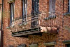 Vecchio balcone d'acciaio immagini stock