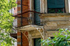 Vecchio balcone d'acciaio Fotografia Stock Libera da Diritti