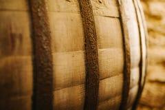 Vecchio barilotto di vino della quercia Fotografia Stock Libera da Diritti