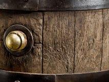 Vecchio barilotto di vino della quercia Primo piano immagine stock libera da diritti