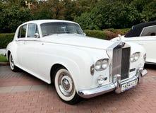 Vecchio bianco classico dell'automobile Immagini Stock