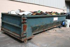 Vecchio bidone della spazzatura Fotografie Stock