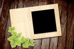 Vecchio blocco per grafici in bianco della foto su struttura di legno Fotografia Stock