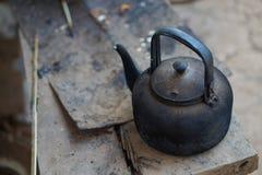 Vecchio bollitore in cucina tailandese Fotografia Stock Libera da Diritti
