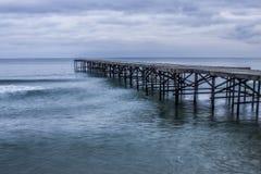 Vecchio brdige del mare in Bulgaria fotografia stock libera da diritti