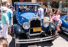 Vecchio Buick 1926 ad una mostra di vecchie automobili nella città di Karmiel Immagine Stock Libera da Diritti