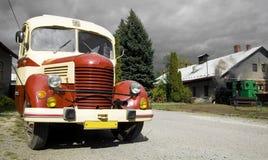 Vecchio bus d'annata Immagine Stock Libera da Diritti
