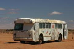 Vecchio bus nel deserto Fotografie Stock