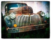 Vecchio camion arrugginito Fotografie Stock Libere da Diritti