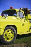 Vecchio camion dei vigili del fuoco giallo Fotografie Stock Libere da Diritti