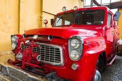Vecchio camion dei vigili del fuoco rosso Fotografia Stock