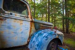 Vecchio camion di abbandono fotografie stock