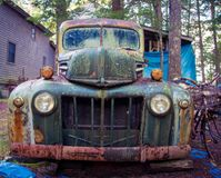 Vecchio camion di abbandono immagine stock libera da diritti