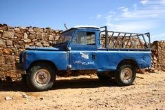 Vecchio camion di raccolta della motrice a quattro ruote Fotografie Stock Libere da Diritti