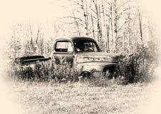 Vecchio camioncino scoperto immagine stock libera da diritti