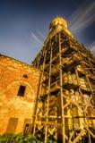 Vecchio campanile nell'ambito della riparazione immagine stock