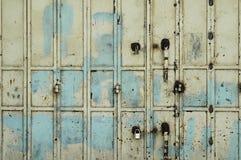 Vecchio cancello arrugginito del metallo Fotografia Stock Libera da Diritti