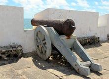 Vecchio cannone, fortificazione natale di Marina militare, Brasile Fotografia Stock