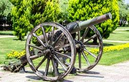Vecchio cannone inutilizzato immagini stock