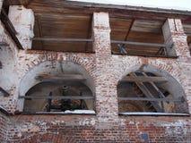 Vecchio cannone sulla parete Immagine Stock