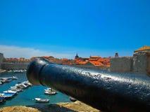 Vecchio canone su Lovrijenac forte o sulla st Lawrence Fortress in Ragusa, Croazia Fotografie Stock