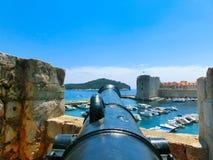 Vecchio canone su Lovrijenac forte o sulla st Lawrence Fortress in Ragusa, Croazia Fotografie Stock Libere da Diritti