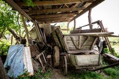 Vecchio carrello di legno fotografia stock
