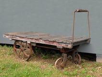 Vecchio carrello ferroviario del bagaglio Fotografie Stock Libere da Diritti
