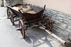 Vecchio carrello immagini stock