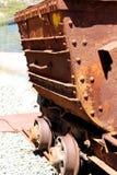 Vecchio carretto arrugginito della miniera fotografia stock libera da diritti