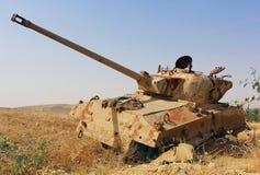 Vecchio carro armato distrutto in Israele fotografia stock