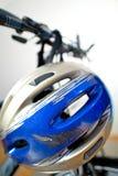 Vecchio casco di sicurezza raschiato Fotografia Stock Libera da Diritti