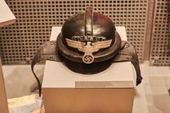 Vecchio casco militare tedesco della seconda guerra mondiale fotografie stock