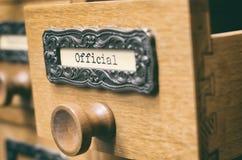 Vecchio cassetto di catalogo di legno dei file di archiviazione immagine stock libera da diritti