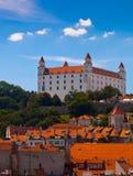 Vecchio castello a Bratislava su Sunny Day Fotografia Stock Libera da Diritti