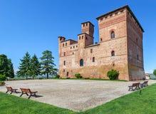 Vecchio castello di Grinzane Cavour, Italia immagini stock