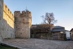 Vecchio castello di Puebla de Sanabria, Spagna fotografia stock libera da diritti