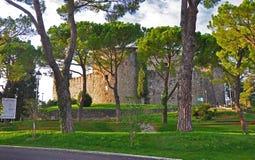 Vecchio castello nella città italiana di Gorizia Immagini Stock