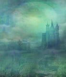 Vecchio castello nella luce della luna Fotografie Stock