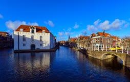 Vecchio centro urbano di Delft Immagini Stock Libere da Diritti
