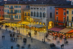 Vecchio centro urbano Mediterraneo alla notte Fotografie Stock